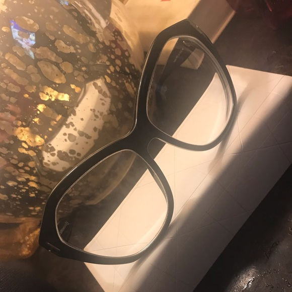 aa28b7be3720 Tom Ford Oversized Frames. M 5c621a712beb79aaaf9932ad. Other Accessories ...